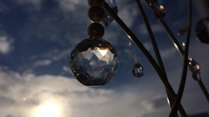 【ガラスのダイヤ】スワロフスキーで虹が出るサンキャッチャーを作ろう♪